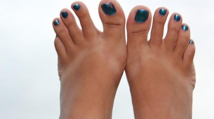 Foot lovers: Πως να αποκτήσετε τέλεια πόδια για τον εραστή σας!