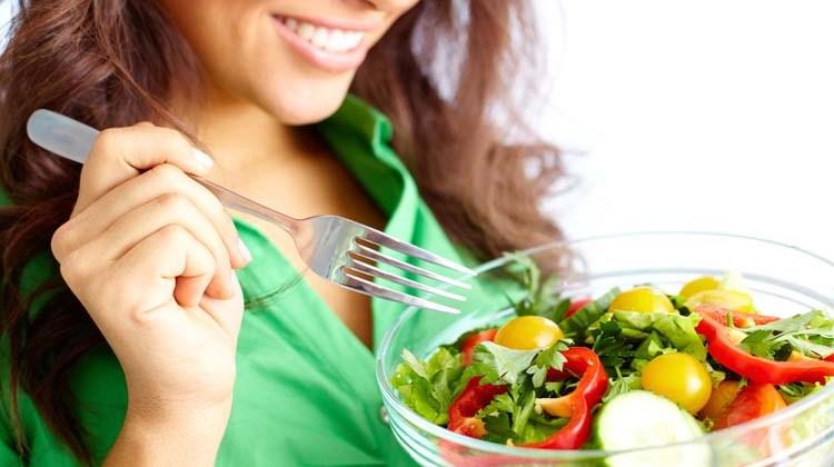 Πως να τρέφεστε υγιεινά όταν είστε έξω από το σπίτι