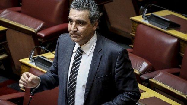 Ο Αριστείδης Φωκάς επικαλέστηκε το VAR στη Βουλή επειδή πήγε στην τουαλέτα