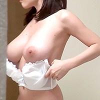 極上!!民家盗撮Vol.1 在高級風俗店兼差的巨乳女子大生 白白重重的乳量招來好多讚啊!