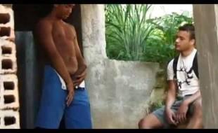 Garotos brasileiros fazendo sexo bem gostoso