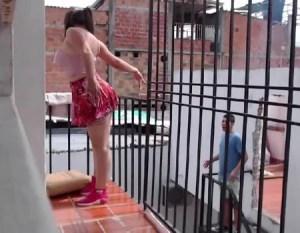 CamGirl mostrando a bucetinha para vizinho