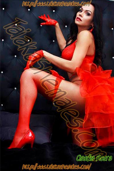 Travesti Claudia Moura femenina