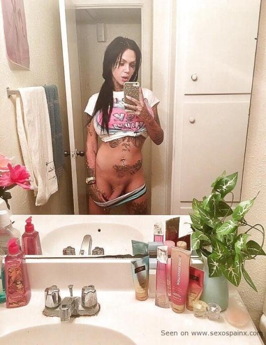 Kat Von D. si hubiera nacido hombre seria así una travesti tatuada