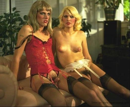 Vintage travestis de cine vestidas de lencerias y sin rasurar