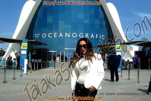 Alexandra Bittencourt in Oceanografic de Valencia.