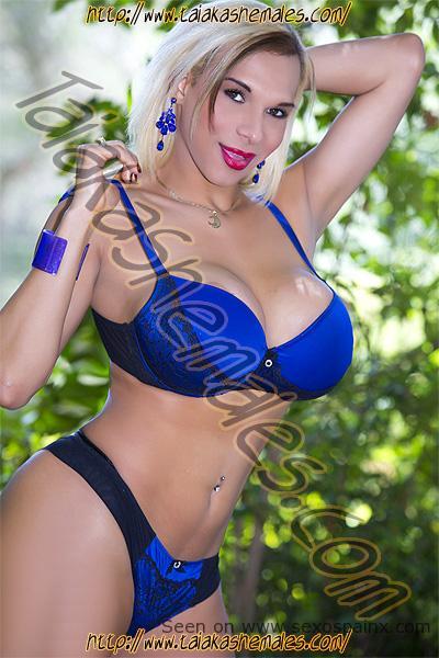 Travestis brasileñas con tetas grandes de Valencia Luna Sheer Brasil.