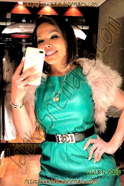 Selfies de espectaculares travestis divinas de Malaga Viviany Paris.