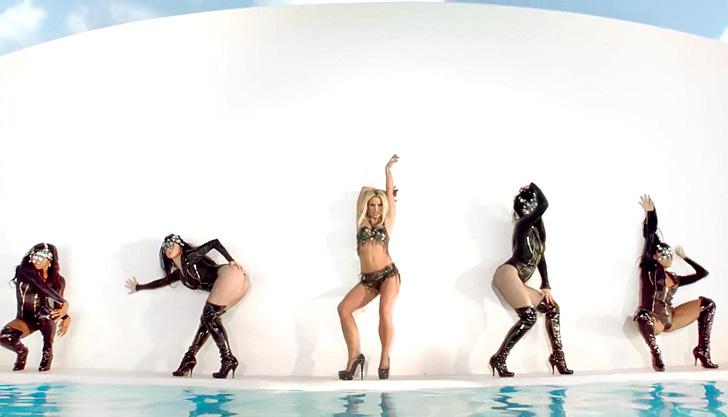 Britney Spears – Work B..ch 002