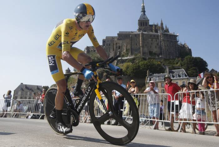 Chris Froome durante la crono en Mont Saint-Michel en el año 2013. Fuente: sipse.com