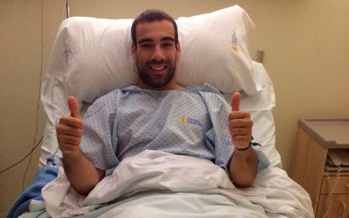 En el hospital tras la operación. Foto Vía: diarioguadalquivir.com