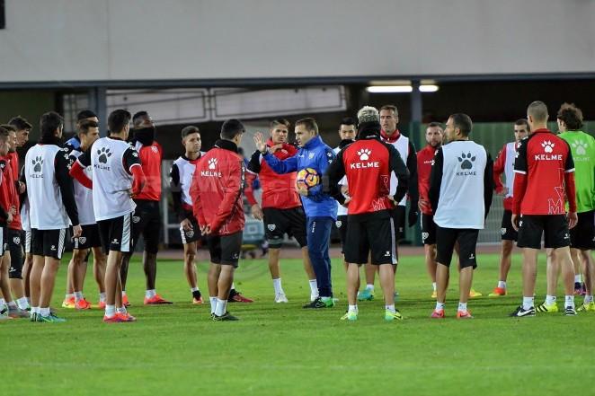 Momento en el entrenamiento del Rayo Vallecano - http://www.rayovallecano.es
