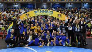 Ugra celebra su título en 2016
