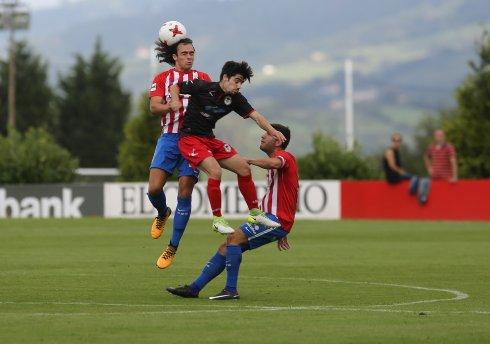 Cris Montes, en el centro, fue el protagonista de la jornada con tres goles