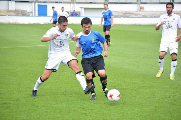 Lance del encuentro entre la Peña Sport y el Gernika de la Jª3 (Foto: Diario de Navarra)