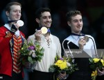 Alexander Samarin, Javier Fernandez, Matteo Rizzo (Foto de Igor Russak/NurPhoto via Getty Images)