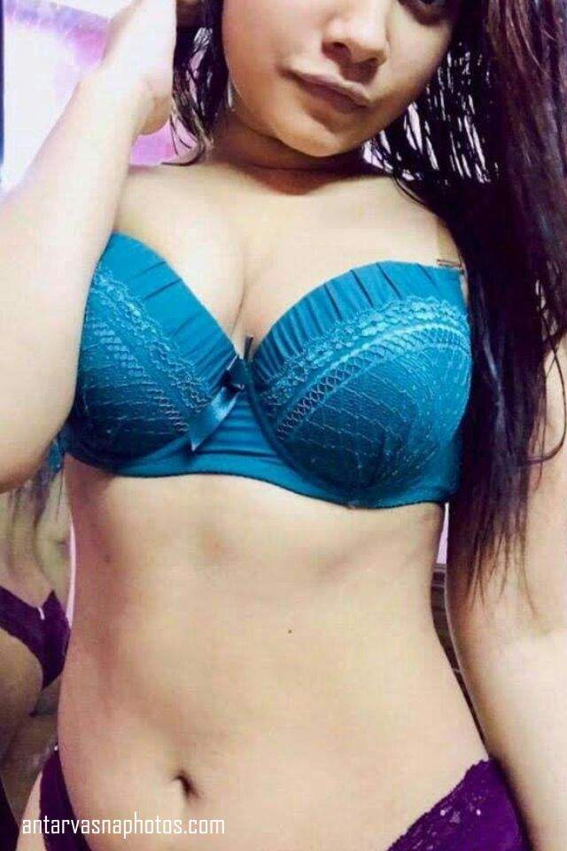 bra me kaid desi girl ke sexy boobs