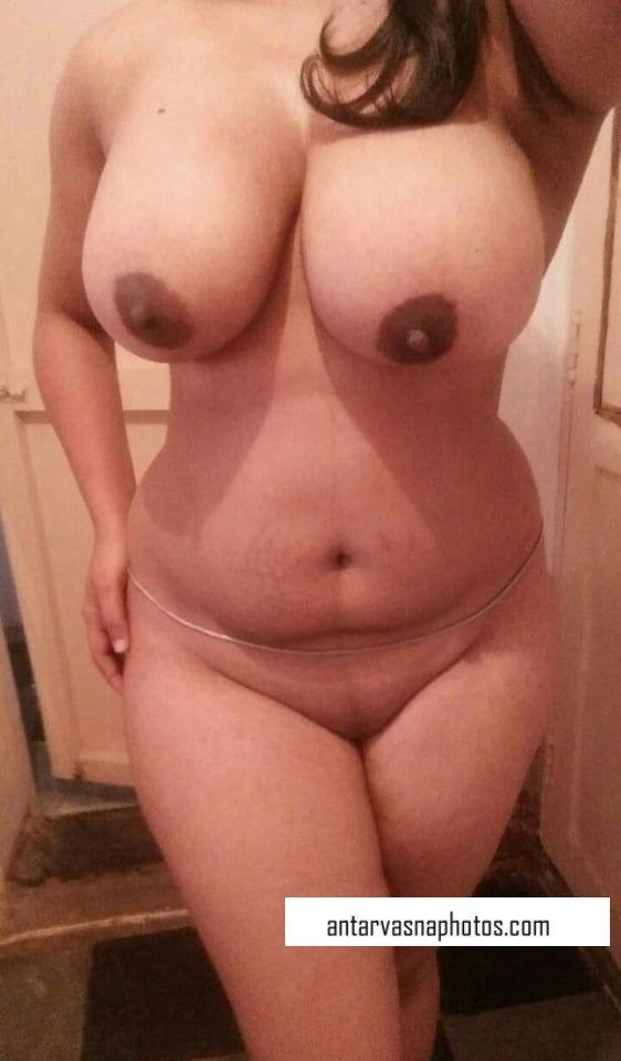 Sexy girl Pushpa ki nude photos