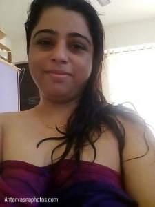 hot nighty me desi bhabhi