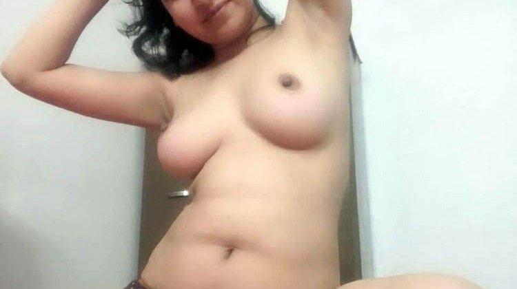 Desi sexy girl ki leaked mms photos
