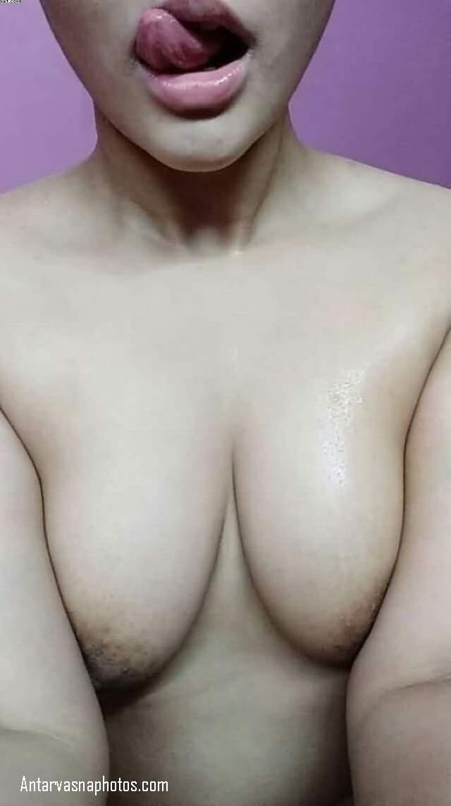 sexy desi girlfriend nude boobs
