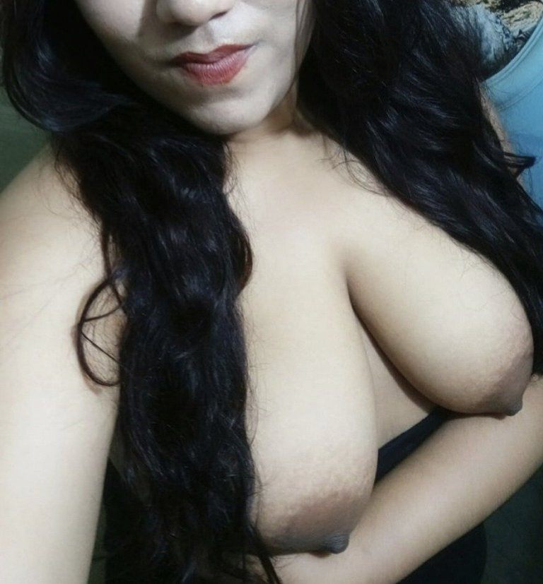 Poonam ki boobs ki photos