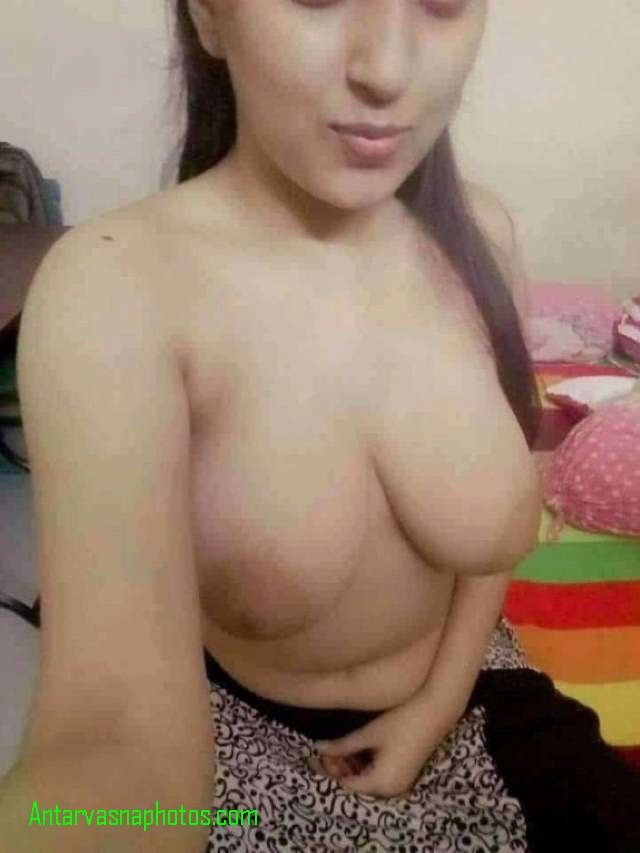big boobs wali babe bra utar selfie