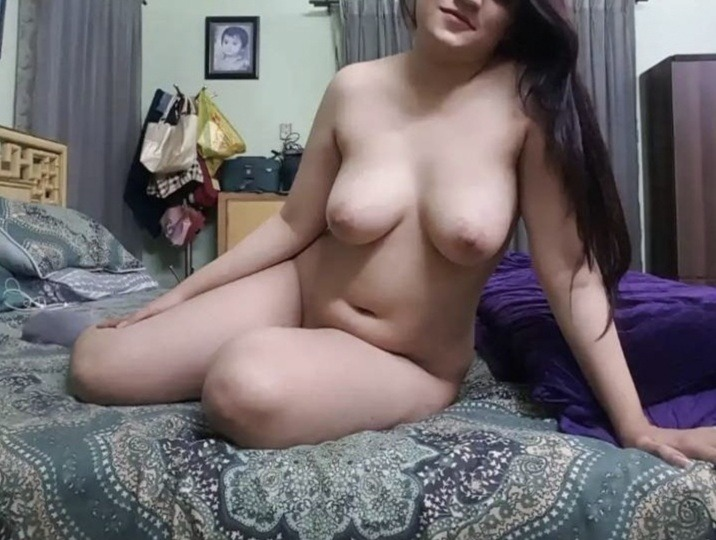 Mansi ki mast tight boobs