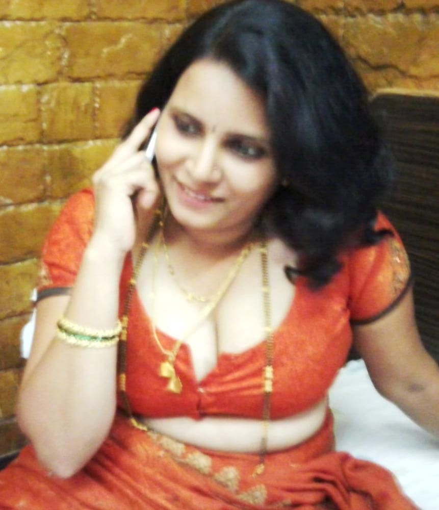 Tilo aunty ki cleavage ki photos