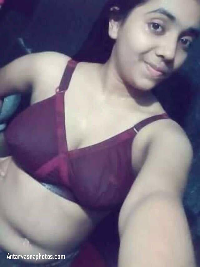 sexy pakistani girl bra me selfie