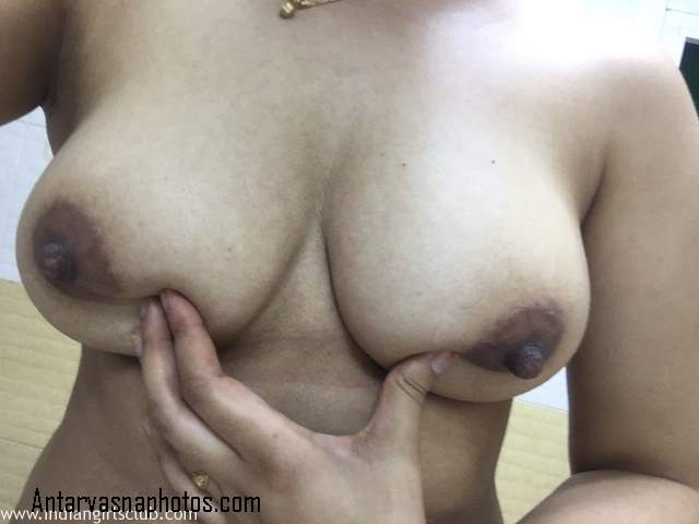 indian bhabhi sonali bathroom me nangi
