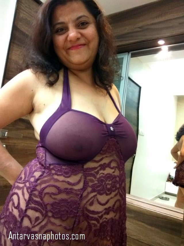 sexy aunty ke hot nighty me