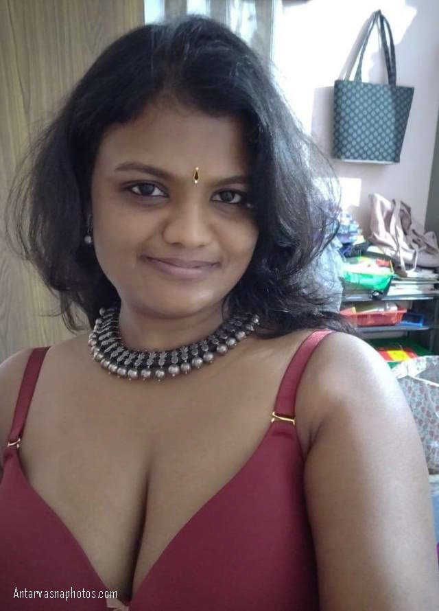 sexy indian bhabhi ke hot jalwe