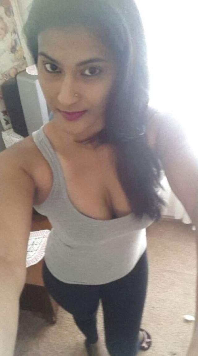 dipti ka hot cleavage