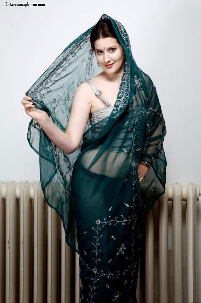 saree me nude hone ko taiyaar