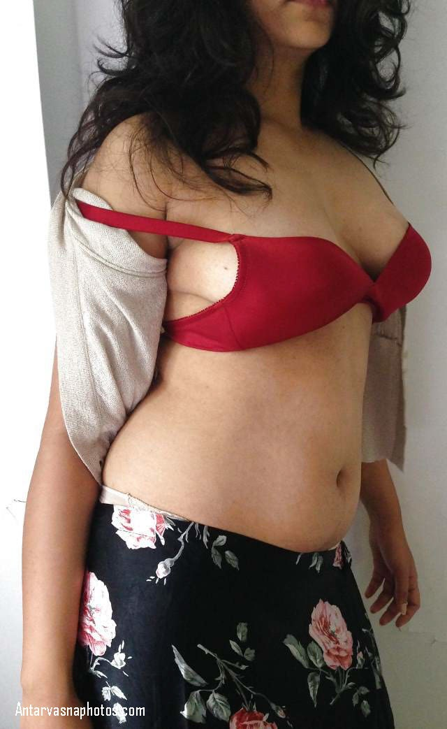 black nipple wali girl bra utarne wali hai