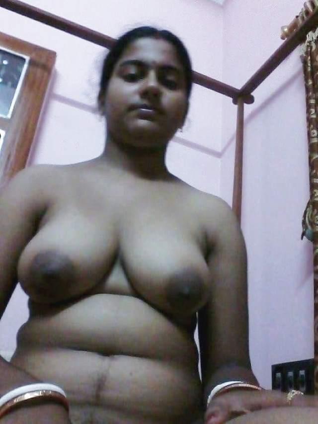 nude sexy bhabhi