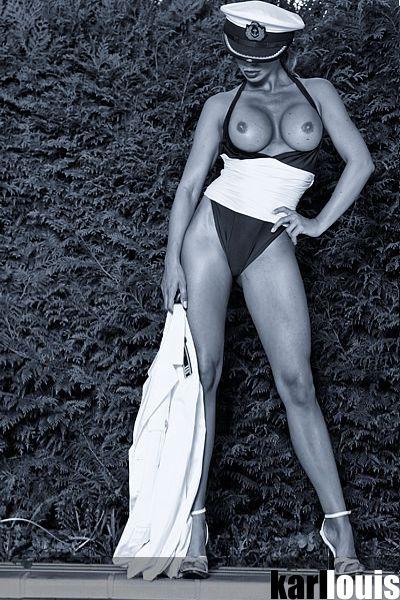Francesca Felucci Pool Navy 01