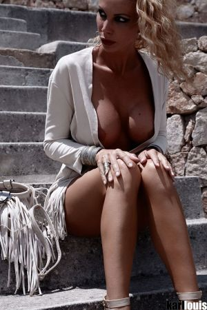 Francesca Felucci Flashing 2_2985