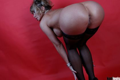 Francesca Felucci Stockings Dance_featured