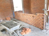 I helped butter the bricks for this wall......pat pat on my back! lol