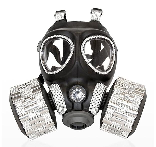 Gas Masks as High End Fashion Art (1/6)
