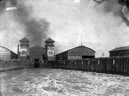 Oakland Mole ferry slip in the early 1900s.