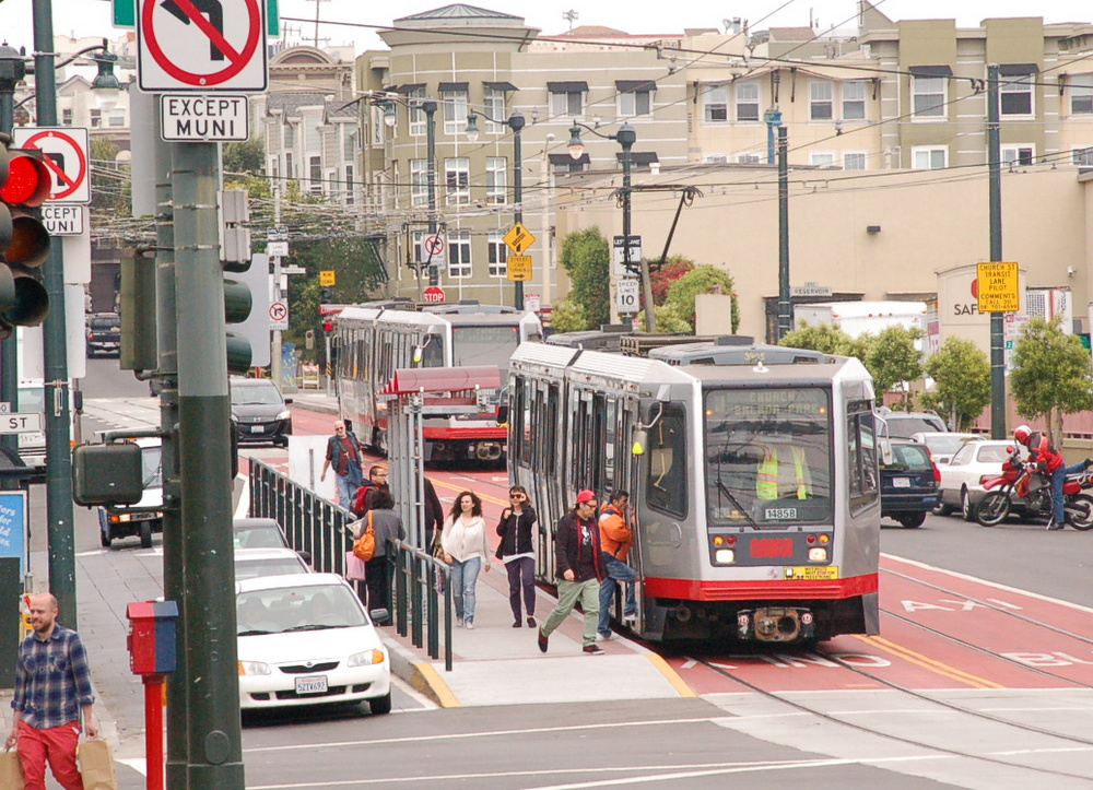 SFTRU wants everyone on Muni to get where They're going in 30 minutes or less. Photo: Aaron Bialick.