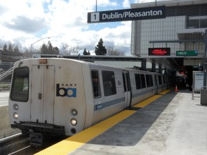 Power surges caused major BART disruptions. Image: Wikimedia Commons.