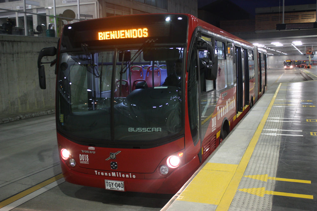 Level boarding of a bus in Bogota.