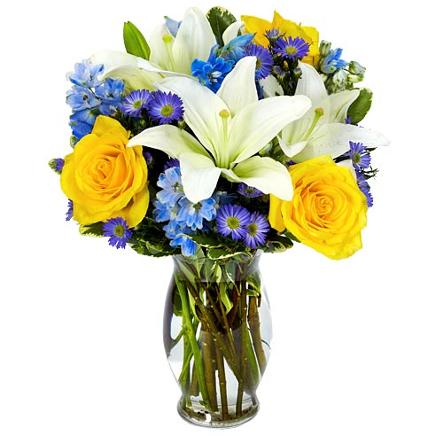 Fathers day gifts of yellow roses in this blue flower bouquet