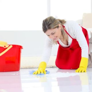 Curatarea-podelelor-cat-mai-eficient-si-natural