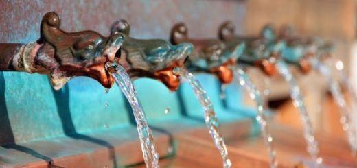apa-de-la-robinet