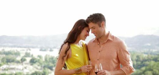 2 retete afrodisiace cu vin care ajuta la stimularea libidoului